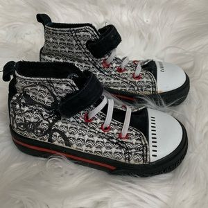 Star Wars shoes - toddler size 7